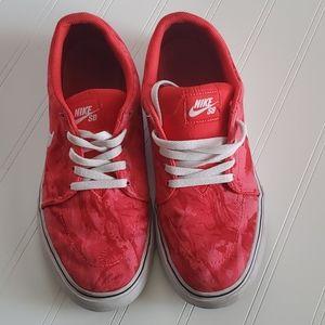 Nike red Van's